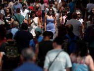 España, deseosa de recuperar la normalidad: los españoles son los europeos que menos mantendrán la distancia social y los segundos que menos usarán la mascarilla una vez vacunados