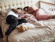 familia durmiendo