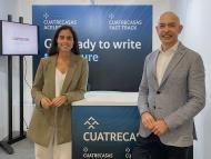 Francesc Muñoz, CIO de Cuatrecasas, junto a Alba Molina Marcos, Innovation Project Manager de Cuatrecasas.