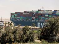 Imagen del buque Ever Given liberado del Canal de Suez