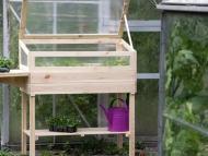 Lidl rebaja el mini invernadero de madera más deseado