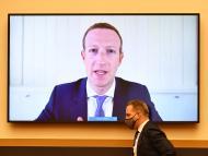 Mark Zuckerberg declarando en un juicio
