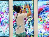 El artista digital FEWOCiOUS subasta cinco nuevas obras de arte únicas de NFT.