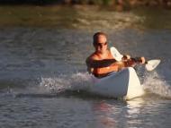 Emogi kayak eléctrico