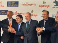 Los presidentes de Caja Segovia, Caja Ávila, Bancaja, Caja Madrid, Caja Insular, Caixa Laietana y Caja Rioja celebran la fusión que crearía Bankia