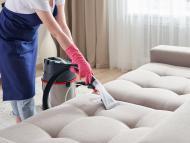 Este truco definitivo para limpiar tu sofá y quitar los malos olores está triunfando en TikTok