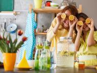 10 usos que le puedes dar al limón para limpiar tu cocina: elimina los malos olores, la suciedad y las bacterias e insectos
