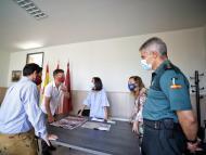 El alcalde de Batres, segundo por la izquierda, en una reciente visita de la delegada y la subdelegada del Gobierno de Madrid.