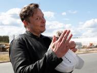 Elon Musk, en la obra de la gigafactoría de Tesla en Gruenheide (Alemania).