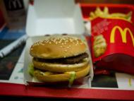 """Una entrenadora de fitness enseña cómo hacer en casa una hamburguesa Big Mac más sana con ingredientes de Aldi; el truco, un artículo que sabe """"literalmente a McDonald's"""""""