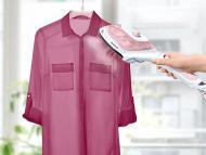 Lidl presenta un gadget para mantener tu ropa perfecta en minutos: un cepillo de mano que plancha sin tabla y elimina pelusas por menos de 15 euros.