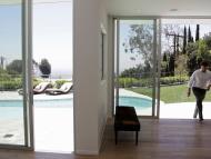 Un promotor inmobiliario entra en una mansión de lujo en Los Ángeles (EEUU)