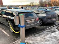 Coches eléctricos aparcados en Oslo, en una foto de archivo.