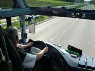 Un conductor en un viaje en autobús