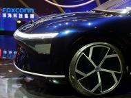 Uno de los modelos de coche eléctrico presentado este lunes por Foxconn