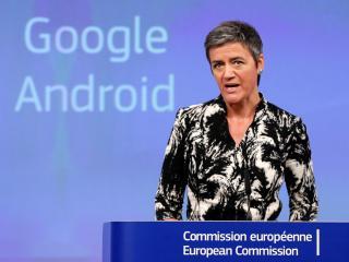 La comisaria europea de Competencia Margrethe Vestager en una comparecencia sobre las investigaciones a Google