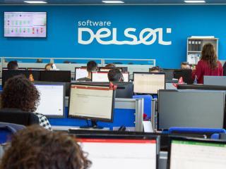 Interior de las oficinas de Software Delsol, en Mengíbar (Jaén)