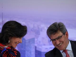 La presidenta del Banco Santander, Ana Botin, y el consejero delegado, Jose Antonio Alvarez Santander