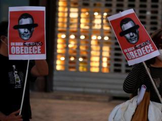 Manifestantes en Málaga por la gestión del Gobierno del coronavirus.