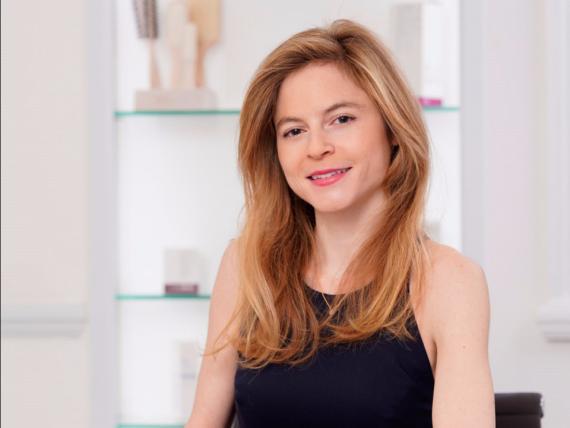 Anabel Kingsley es tricóloga en la Clínica Philip Kingsley en Mayfair, Londes.
