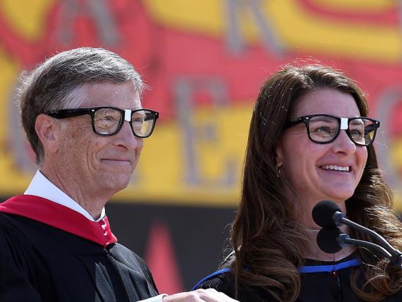 Bill Gates durante su discurso en Stanford