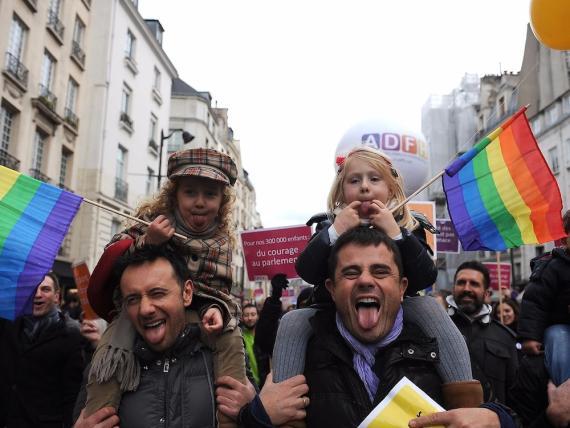 Manifestación por la legalización del matrimonio homosexual y el derecho de adopción el 16 de diciembre de 2012 en París (Francia).