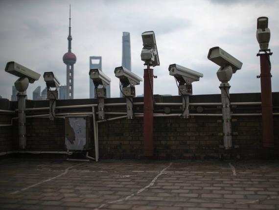 MI6-La inteligencia británica no encuentra espías porque Google y Facebook pagan cinco veces más