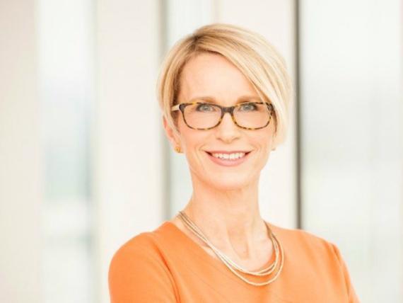 La directora ejecutiva de GlaxoSmithKline, Emma Walmsley, posa en una foto sin fechar en Londres.