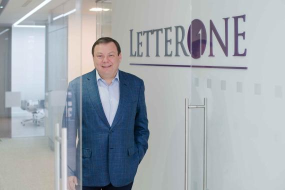 Mikhail Fridman en las oficinas del fondo Letterone.