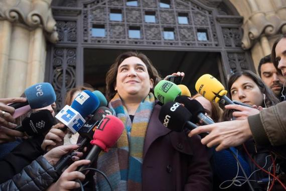 Ada Colau anunció que no participará en el recibimiento oficial al Rey Felipe VI en los actos de inauguración del Mobile World Congress (MWC)