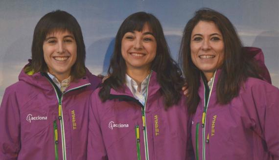 Uxúa López, Alicia Pérez Porro y Alexandra Dubini, las tres científicas que van a la Antártida para estudiar el impacto del cambio climático.