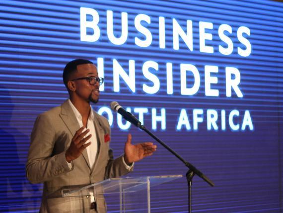 Mapas Maponyane, presentador del evento de lanzamiento en Ciudad del Cabo