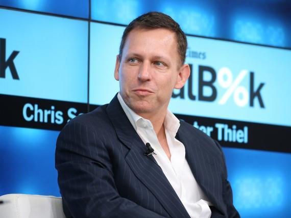 Peter Thiel, en la imagen superior, no reflexionó demasiado.