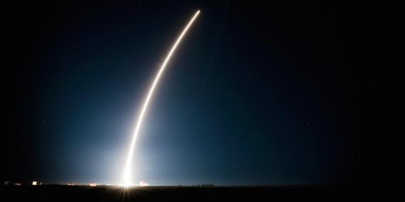 Un cohete Atlas V que transporta el satélite GEO Flight 4 dotado de un sistema infrarrojo espacial despega desde la estación de la Fuerza Aérea en Cabo Cañaveral, Florida, el 19 de enero de 2018.