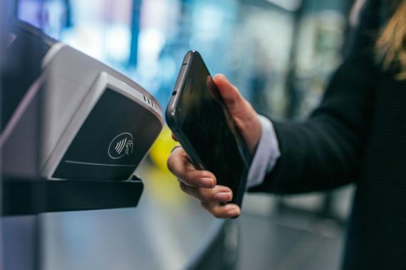 El pago móvil cada vez está más implantado.