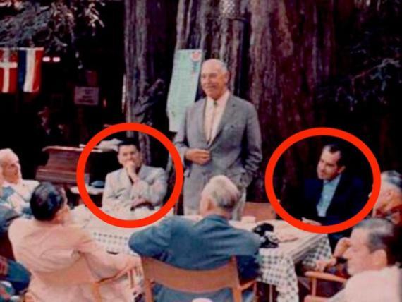 Los presidentes Ronald Reagan y Richard Nixon eran miembros