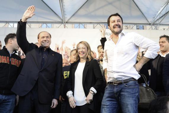 Nella foto Silvio Berlusconi, Giorgia Meloni y Matteo Salvini