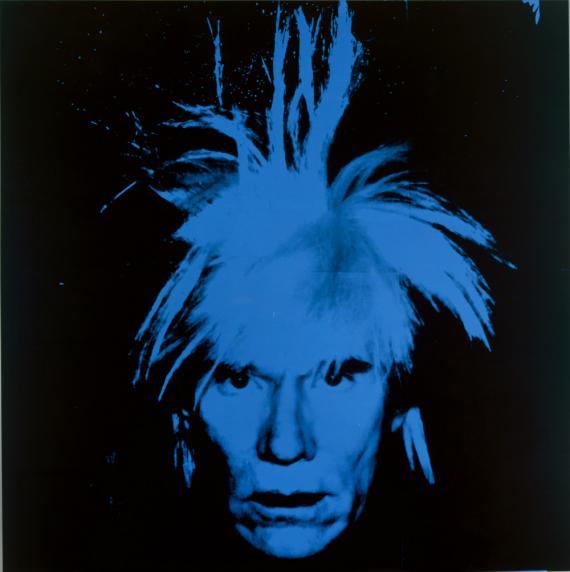 Este autorretrato de Andy Warhol en 1986 muestra una imagen igual de icónica que su arte.