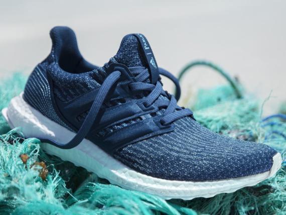 La zapatilla UltraBoost de Adidas Parley
