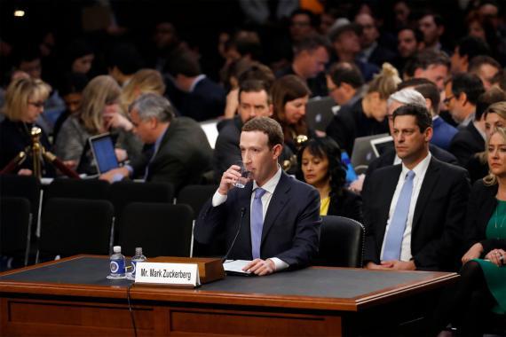 El CEO de Facebook, Mark Zuckerberg, durante su comparecencia ante el Senado de los Estados Unidos del pasado martes.