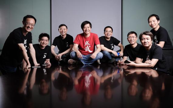 Los cofundadores del gigante chino de telefonía móvil Xiaomi.