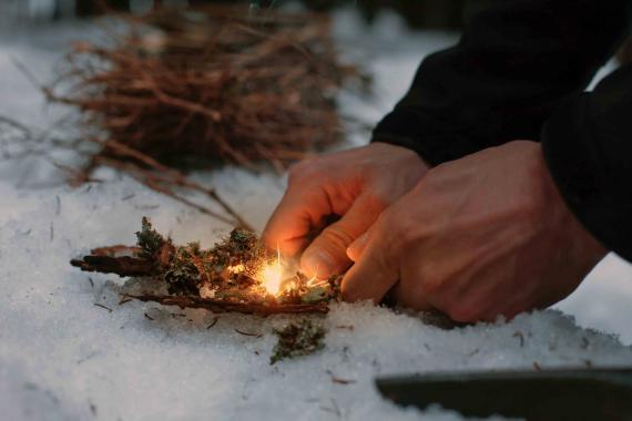 Encendiendo fuego