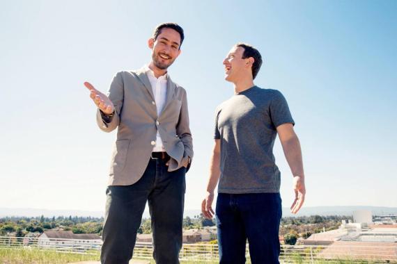 El confundador de Instagram Kevin Systrom (izquierda) con Zuckerberg.