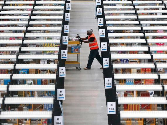 Un almacén de Amazon en Reino Unido.