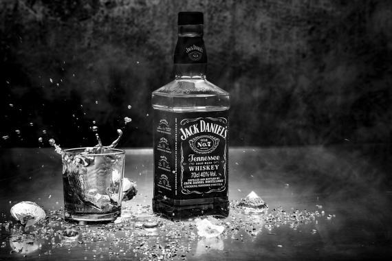 Botella de whisky estadounidense Jack Daniels