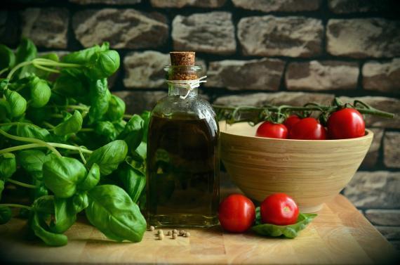 Dieta Mediterránea, verduras, aceite, tomate, sano