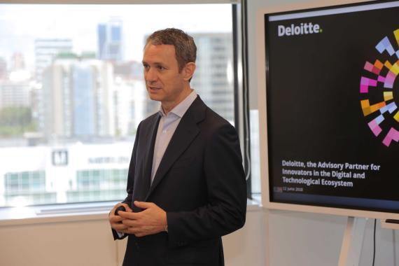 Fernando Baldellou en la presentación de StartmeUP.