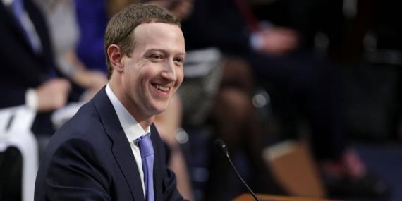 El CEO de Facebook, Marck Zuckerberg, testificando ante el Senado de Estados Unidos en Abril, 2018.