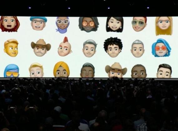 Craig Federighi, vicepresidente senior de ingeniería de software de Apple, presenta la nueva función Memoji en la conferencia de desarrolladores WWDC de Apple el lunes.