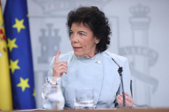 La ministra de Educación y portavoz del Gobierno, Isabel Celaá.